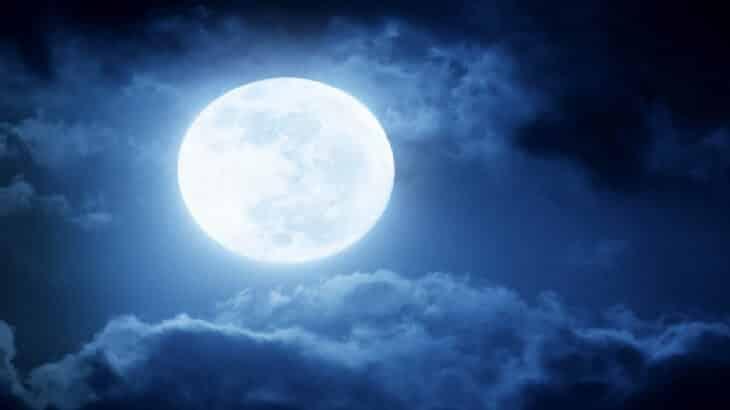 تفسير رؤية القمر في المنام معلومة ثقافية