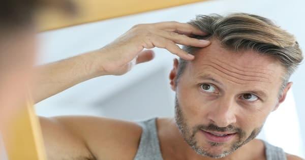 تفسير سقوط الشعر في المنام للرجل