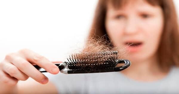 تفسير رؤية سقوط الشعر في المنام