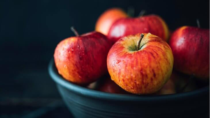 تفسير رؤية التفاح ومعناه في الحلم