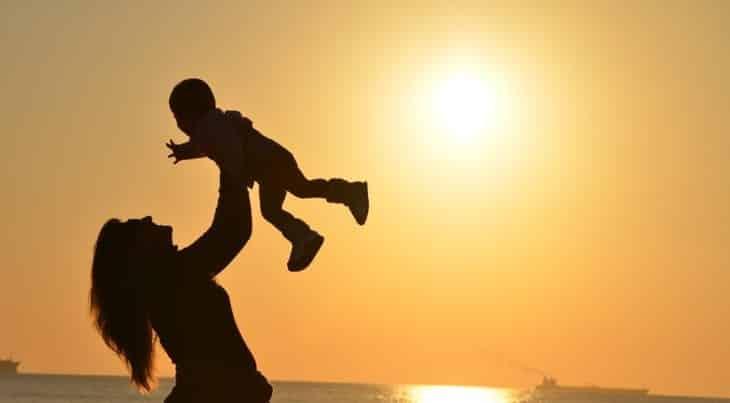 تفسير رؤية الام الحية أو الميتة في الحلم معلومة ثقافية