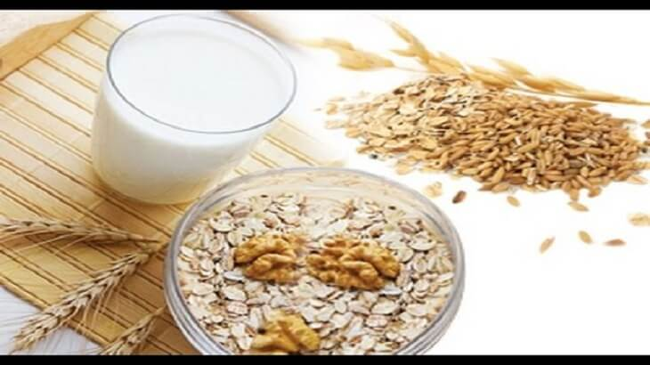 Benefits of oats with milk and honey