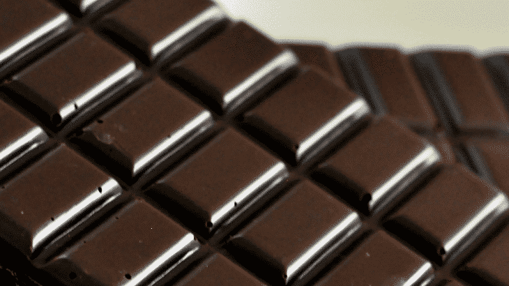 The benefits of black chocolate for men and women, 21 amazing utility