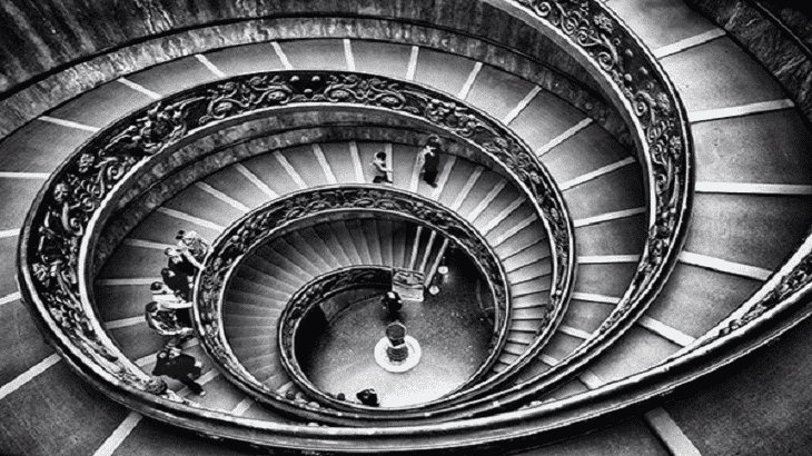 تفسير رؤية صعود الدرج