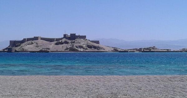 أين تقع جزيرة فاروس فى مصر