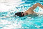 انواع السباحة وفوائدها وكيفيتها