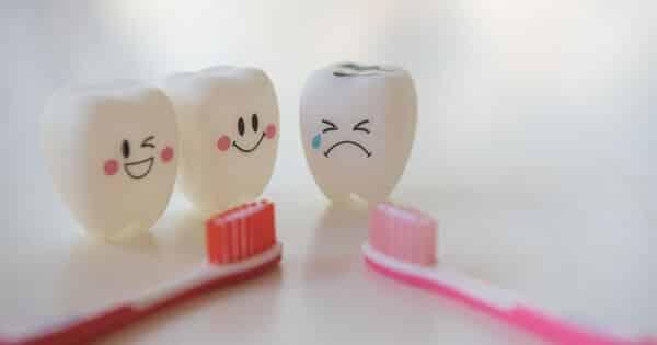 كيف تعالج تسوس الأسنان بدون طبيب في المنزل