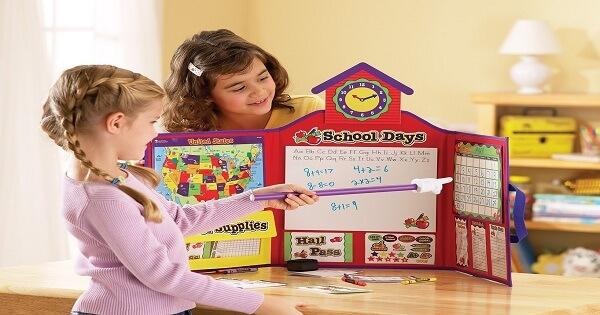 وسائل التعليم باللعب وفوائدها ومميزاتها