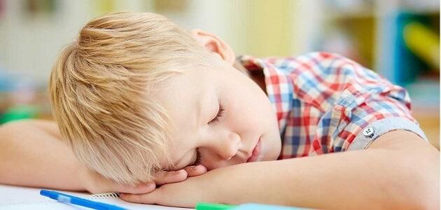 حل مشكلة المشي أثناء النوم عند الأطفال