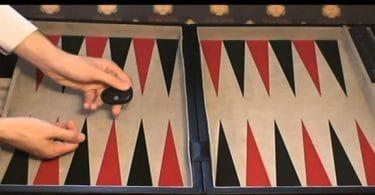 كيفية لعب الطاولة المحبوسة واحترافها
