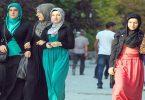 مقال اجتماعي عن دور المرأة في المجتمع والأسرة
