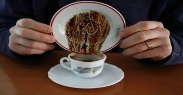كيفية قراءة الفنجان والكف بالصور