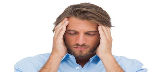 أسباب ثقل الرأس والعينين من الخلف