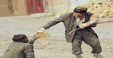 حكم مهمة قصيرة عن الرحمة والتراحم بين الناس