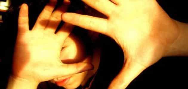 تفسير رؤية الضوء الشديد في الوجه في المنام