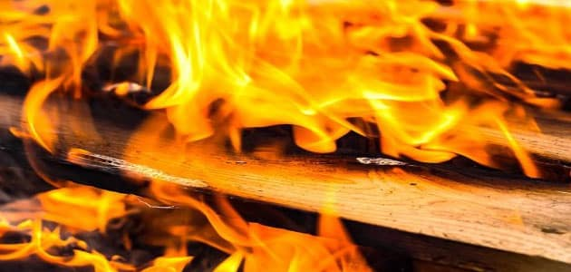 تفسير رؤية حرق الأريكة في المنزل في المنام ومعناه معلومة ثقافية