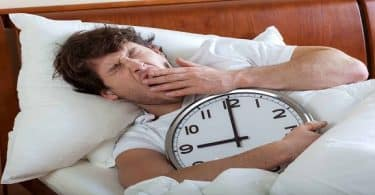 معلومات صحية عن كيفية تنظيم النوم بعد السهر بدون أدوية