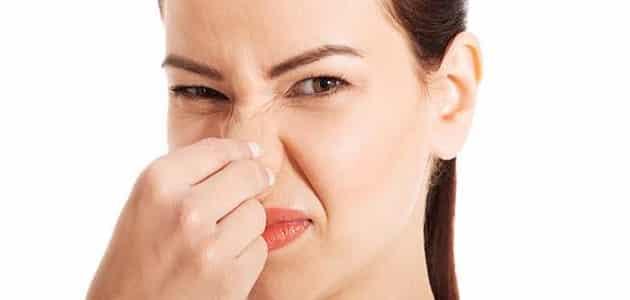أسباب وجود رائحة كريهة للمهبل وعلاجها طبيعيًا بدون أدوية