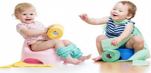 افضل طريقة لتعويد الطفل على الحمام والسن المناسب لذلك