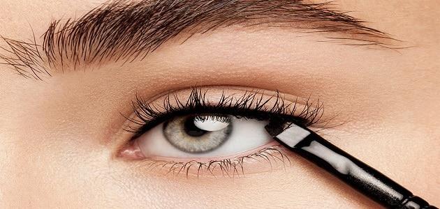 طريقة رسم العين بالمكياج للمبتدأين