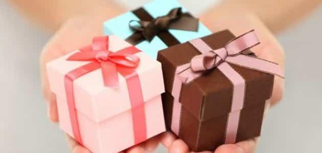 كيفية عمل الهدايا البسيطة من صنع الاطفال