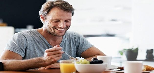 10 عادات صحية يجب على الإنسان اتباعها