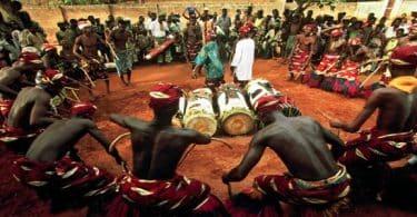 اغرب عادات وثقافات الشعوب حول العالم