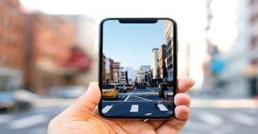 بحث عن مميزات واضرار الهواتف الذكية مختصر