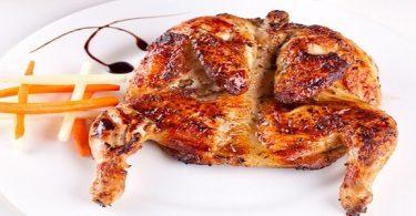 كم سعرة حرارية يكتسبها الجسم عند تناول الدجاج المقلي والمشوي