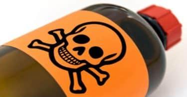 موضوع عن الاسباب المؤدية الى استخدام السموم القاتلة قصير