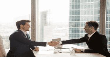 10 طرق مبتكرة لتقديم نفسك امام مديرك اول مرة