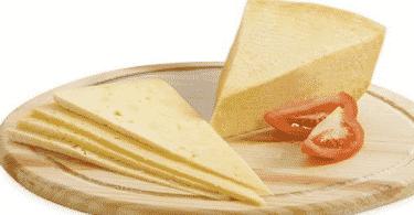 أضرارمكونات الجبنة الرومي على الصحة