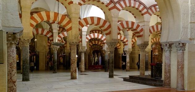 أين يقع قصر هشام في العصر الإسلامي