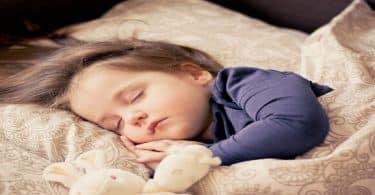 اسباب عدم النوم ليلا والنوم نهارا