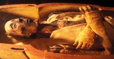 جثة فرعون الحقيقية في المتحف المصري