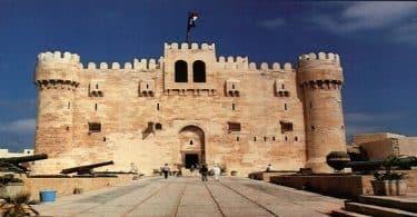 قلعة قايتباي إسلامية أم قبطية