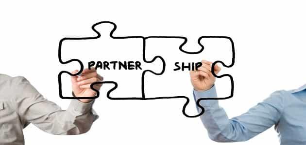 ما هي شروط الشراكة مع شريك العمل