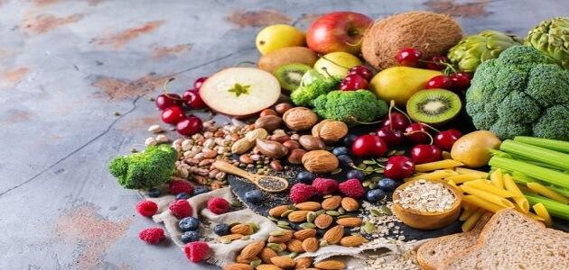 10 أطعمة غنية بالألياف لعلاج الامساك المتكرر