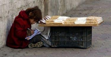 5 حلول للقضاء على مشكلة الفقر في العالم