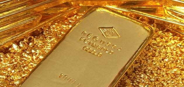 شكل الذهب في الصخر