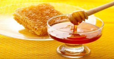 علاج 25 مرض عند الاستمرار على وضع العسل على السرة