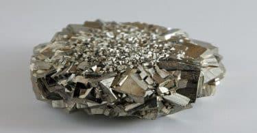 لماذا سمى معدن البيريت بالذهب الزائف