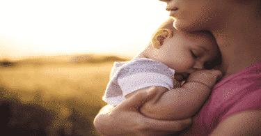 تفسير حلم موت الأم وهي حية
