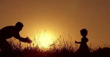 تفسير رؤية الأب الميت في المنام