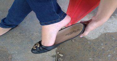 تفسير ضرب شخص بالحذاء في المنام