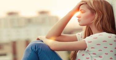 ما هي أسباب الاكتئاب المفاجئ