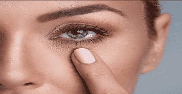 فوائد الفازلين لإزالة التجاعيد حول العين