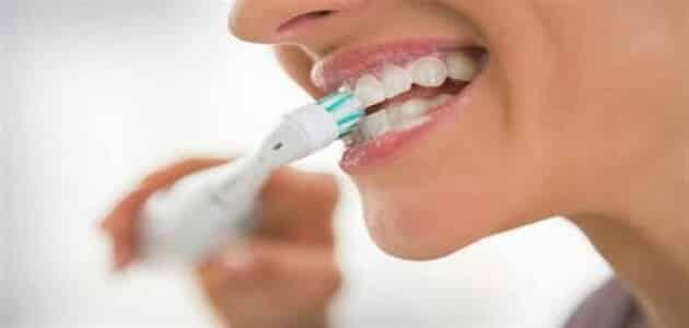 فوائد تنظيف الأسنان قبل النوم