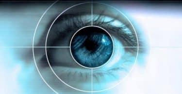الفرق بين عملية الليزر والليزك للعين