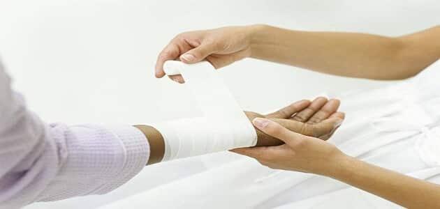 طرق علاج الإصابات الحادة
